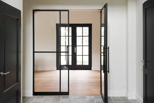 NEW ONEPLANE™ GLASS DOORS